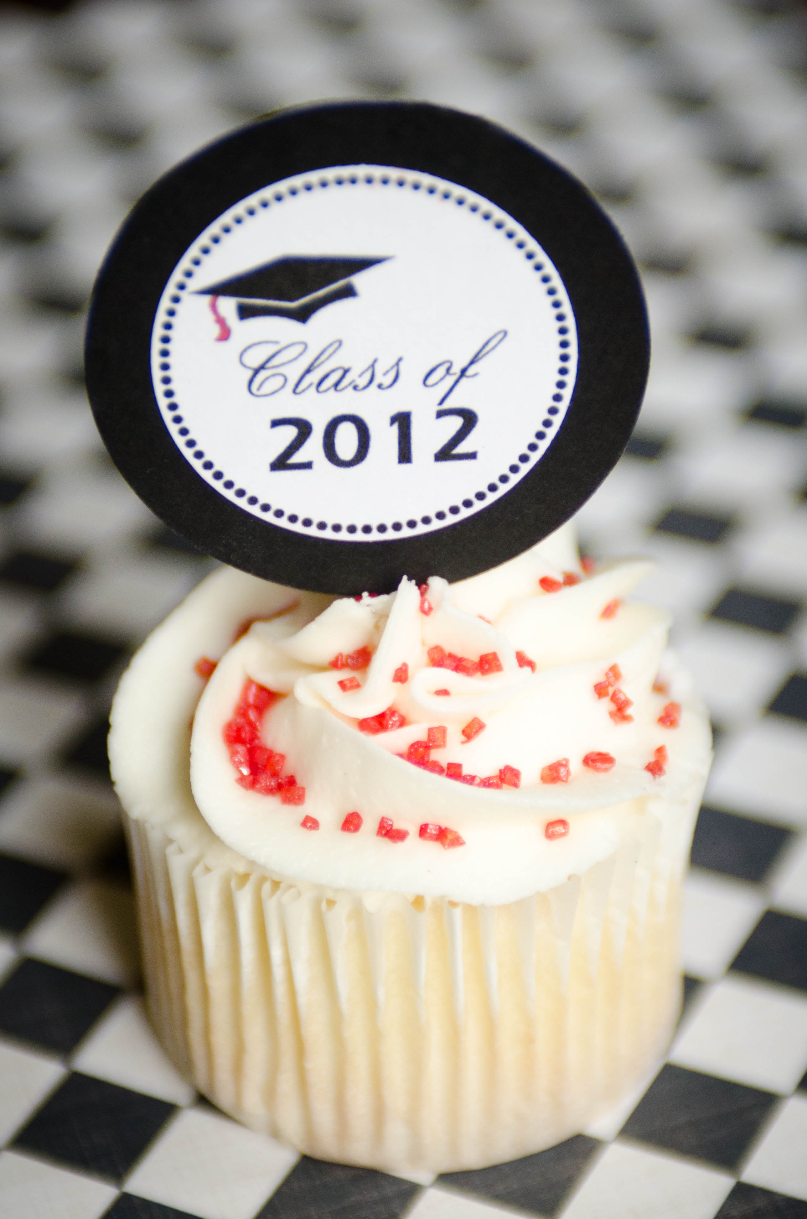 Graduation Cupcakes with Free Printable Toppers